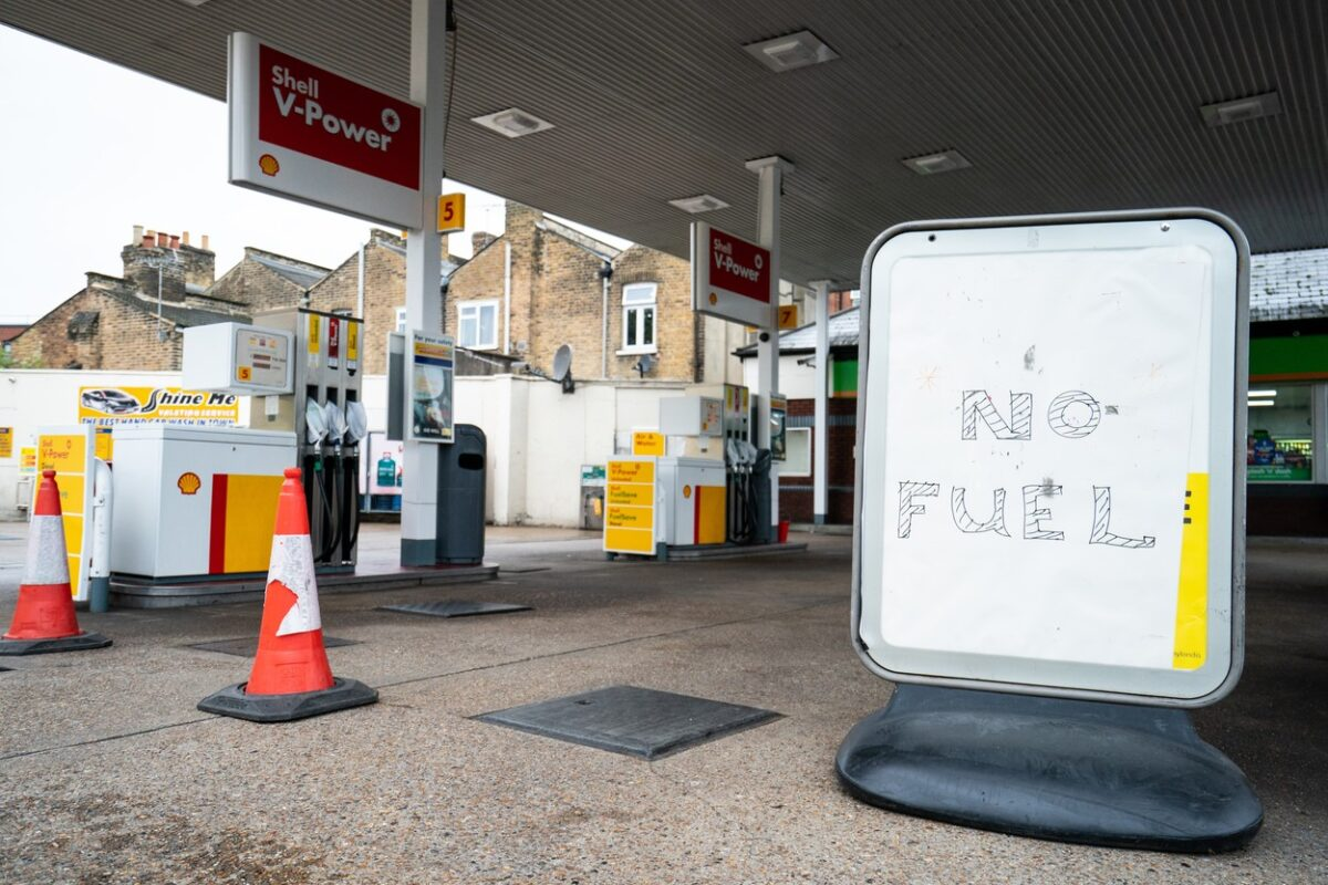 A 'no fuel' sign on the forecourt of a petrol station in London. Picture date: Monday October 4, 2021.,Image: 636530156, License: Rights-managed, Restrictions: , Model Release: no, Credit line: Profimedia